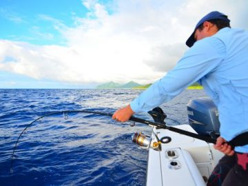 Ocean Blue guide Andrea Traverso fishing Vanuatu for monster doggies